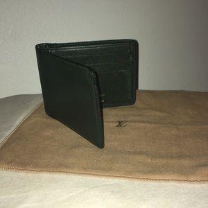 Authentic Louis Vuitton Green Epi Bifold ID Holder